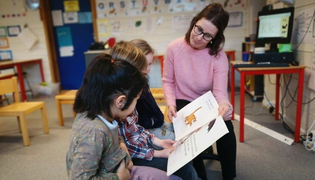 A new study shows that when students feel well-liked by the teacher, it also affects how well they develop their literacy skills. For the teacher Kristin Kraft Kavli, these findings make sense. (Photo: Elisabeth Rongved, UiS)