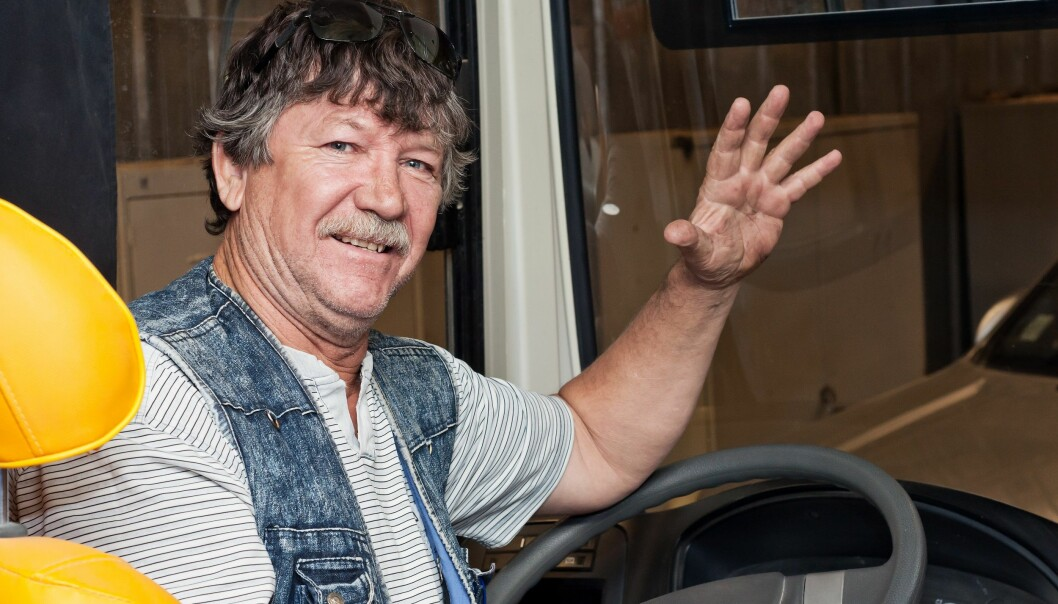 Many bus companies in Norway employ older drivers. Researchers at the Centre for Senior Policy (SSP) surveyed the bus industry. They found that both managers and drivers think this profession is a good fit for mature adults. (Photo: Colourbox)