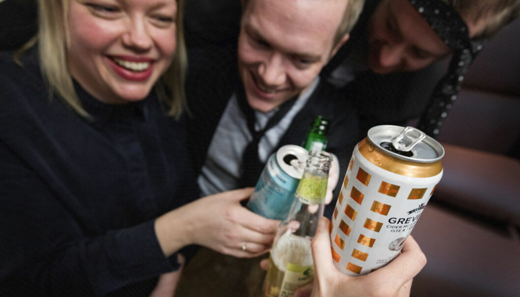 People may think that they are creative and spontaneous when they are drunk, but their stories about drinking tend to be told in much the same way, according to a Norwegian study. (Illustration photo: Gorm Kallestad / NTB scanpix)