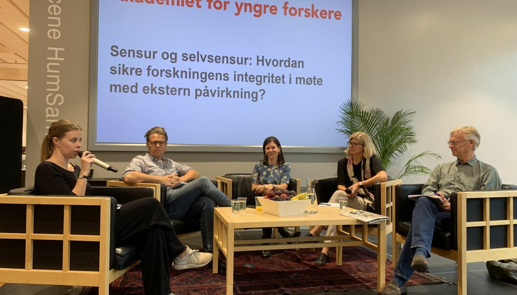 From left: Hanne Østli Jakobsen from the newspaper Morgenbladet, Vidar Enebakk from NESH, Katerini Storeng, leader of the Young Academy of Norway, Tanja Storsul, director of ISF, and Knut Ruyter, the University of Oslo's new academic ombud. (Photo: Ida Irene Bergstrøm)