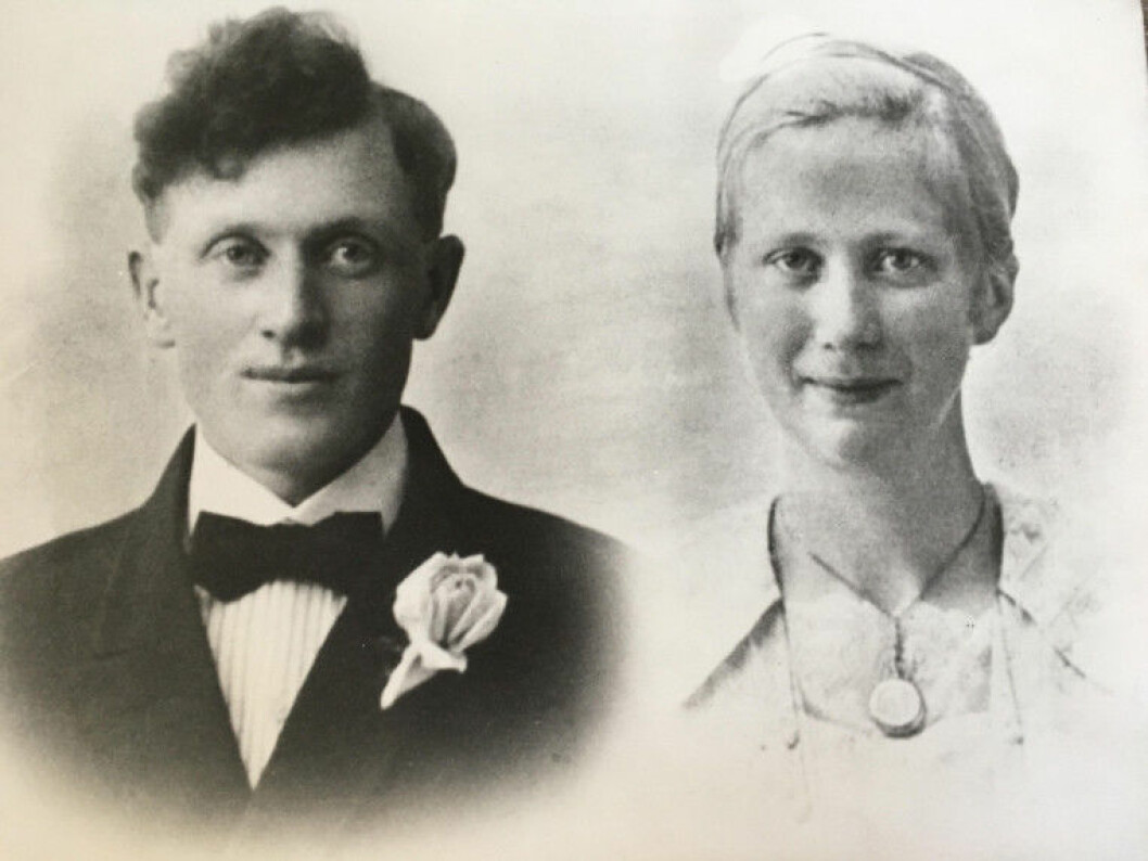 Journalist Anne Lise Stranden searched for her relatives in the historical register. She found her grandfather Paul Anton Stranden, born in 1903. Here he is shown with his bride Anna Margrete Sandvik on their wedding day. (Photo: private)