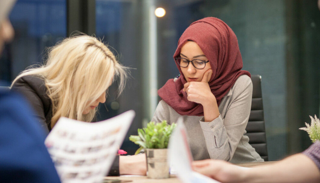 Thirty-five per cent of Muslim immigrants say they did not get a job they were qualified for because of their immigrant background. Twenty-five per cent of immigrants from twelve other countries had similar experiences. (Photo: Shutterstock / NTB scanpix)