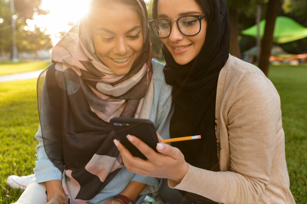 """The Muslim girls are highly aware of the discussions concerning hijab, and they learn to argue for it. Hijab is very often something the girls choose themselves, something they choose to wear in order to express their identity,"" says Ronald Mayora Synnes who has written his PhD thesis on Muslim and Christian youth. (Photo: Shutterstock / NTB scanpix)"