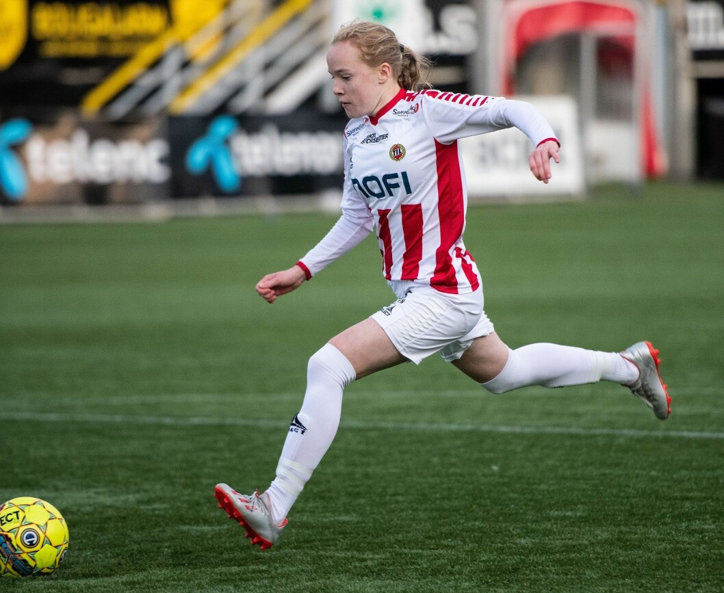 The new Female Football Centre in Tromsø, Norway, hopes to boost female football players' performance. The photo shows football player Ina Birkelund, one of the big talents from Tromsø, in action. (Photo: Gry Berntzen)