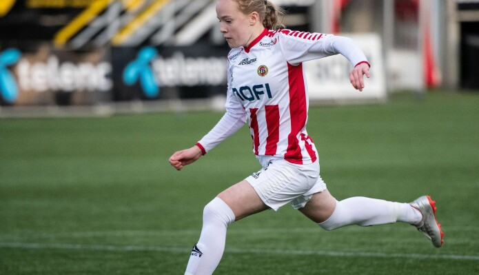 How to get the best performance from female footballers