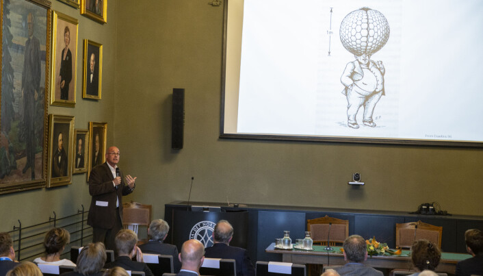 CAS project leader Thomas F. Hansen explained how difficult it would be for humans to evolve the same level of vision if we had started out with compund eyes like insects. During the CAS opening ceremony 2019/20. (Photo: Camilla K. Elmar/CAS)