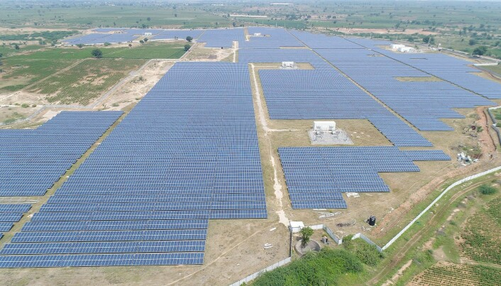 The solar power plant Telangana II in the city Gadwal in India (Photo: Thomas Lloyd Group, CC BY-SA 4.0)