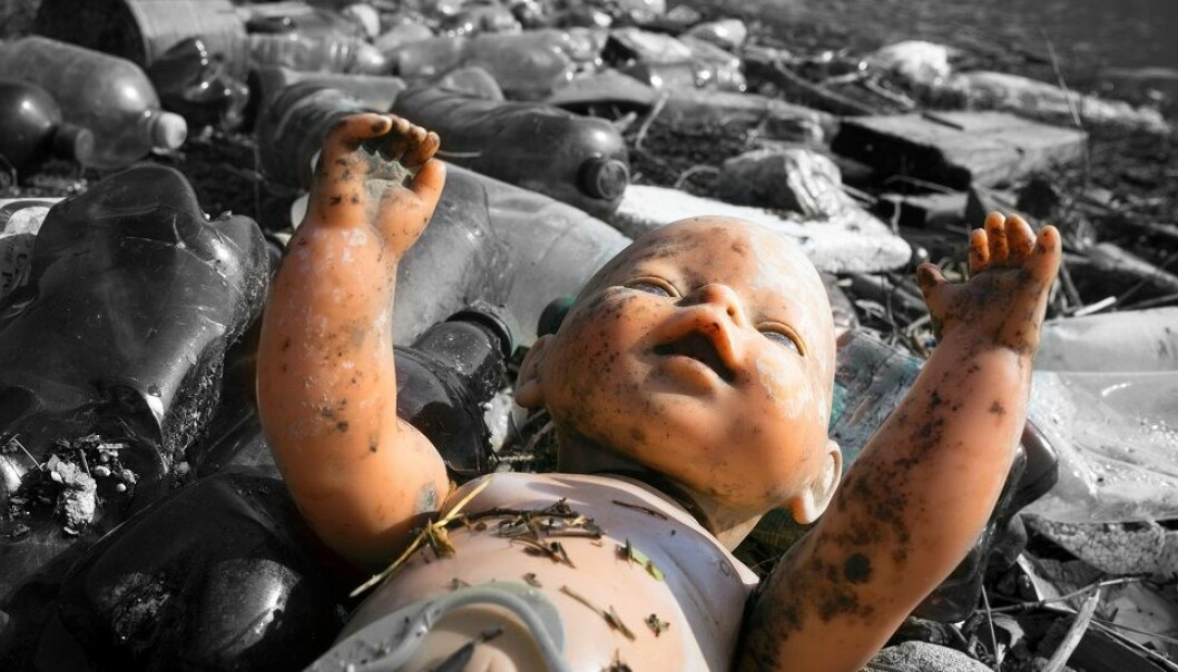 The truth is that we don't know if the chemicals in plastics pose a danger to us, because we have no idea what is in them. Here from a river bed in Ukraine. (Photo: Roman Mikhailiuk, Shutterstock, NTB Scanpix)