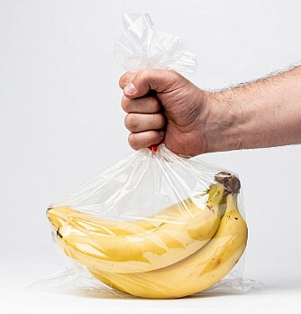 Really? Your bananas need an extra bag? (Photo: Shutterstock, NTB Scanpix)