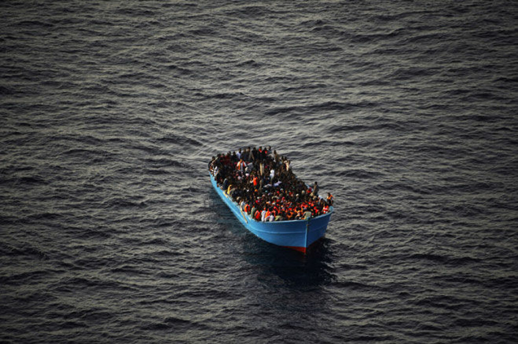 Refugees at sea during EU Operation Sophia. (Photo: Ejército del Aire Ministerio de Defensa España, CC BY-NC 2.0)