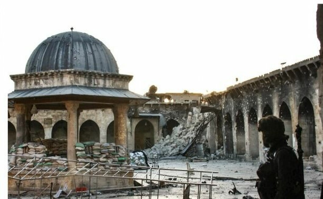 The destroyed minaret of the Umayyad mosque of Aleppo (Photo: Gabriele Fangi, Wissam Wahbeh - CC BY 3.0)
