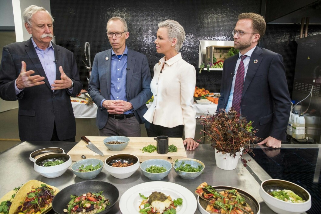 Professor Walter Willett from Harvard University, Johan Rockström, professor at the Stockholm Resilience Centre , Gunnhild Stordalen, the founder and executive chair of EAT, and then minister of development Nikolai Astrup presented the main findings in the EAT-report in Oslo in January 2019 (Photo: Terje Pedersen / NTB scanpix).
