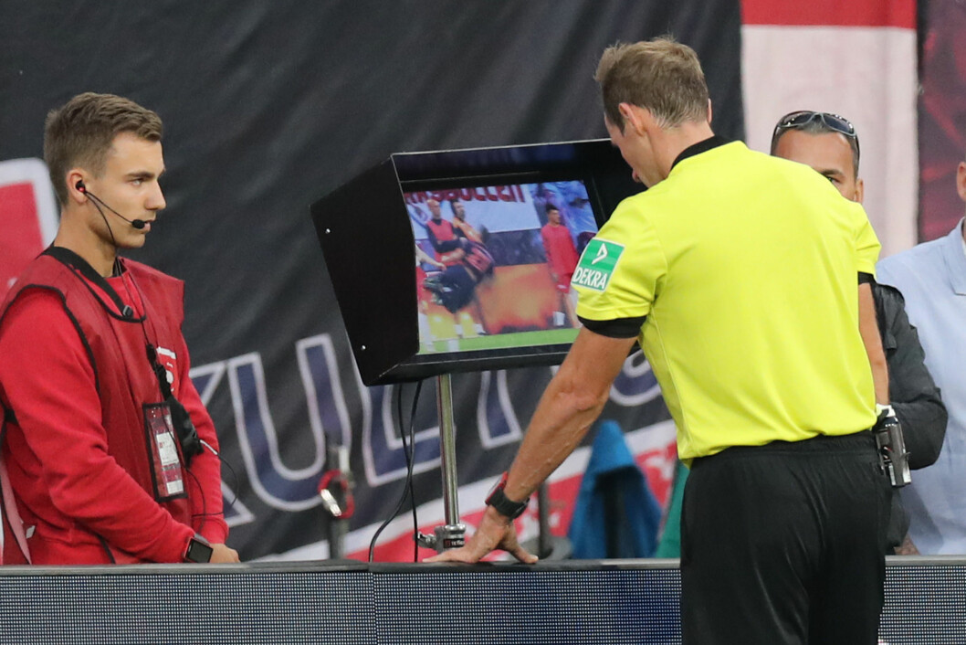 In some football leagues, the referee may have to replay the same episode several times in order to decide whether to show a red card, call a penalty or cancel a goal.