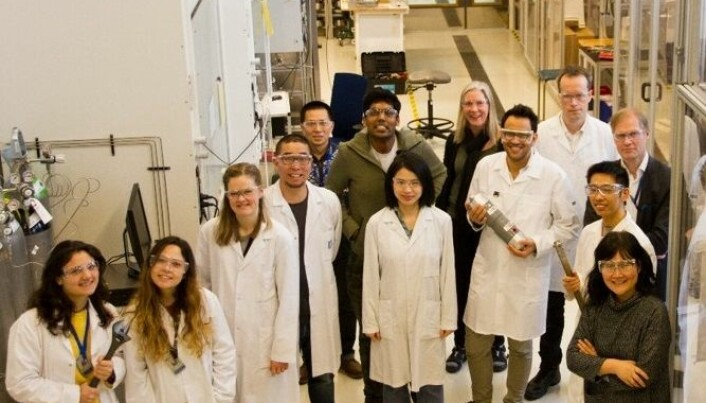 The membrane research group is looking for materials that can help filter out carbon dioxide.