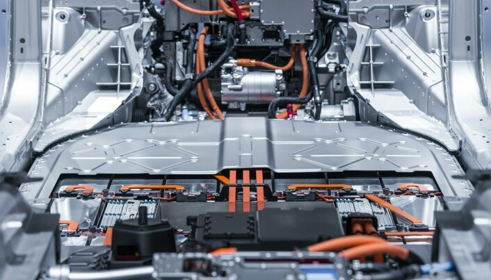 Lithium from electric car batteries isn't recycled that often.