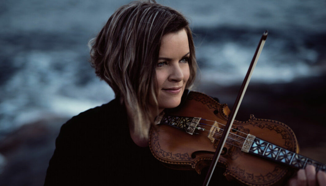 The Hardanger fiddle hasn't been studied that much from a musical theory perspective — at least until now. By becoming aware of what she does when she plays, it makes it easier to pass on knowledge to others, says Annbjørg Lien.