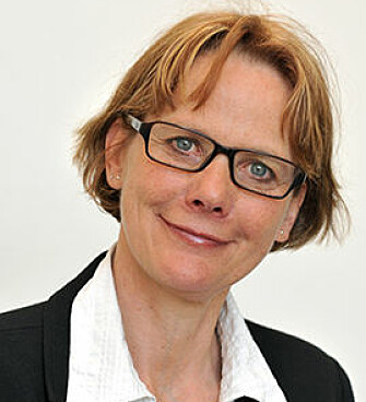 Professor Trine Syvertsen leads the research project Invasive media, ambivalent users and Digital Detox (Digitox).