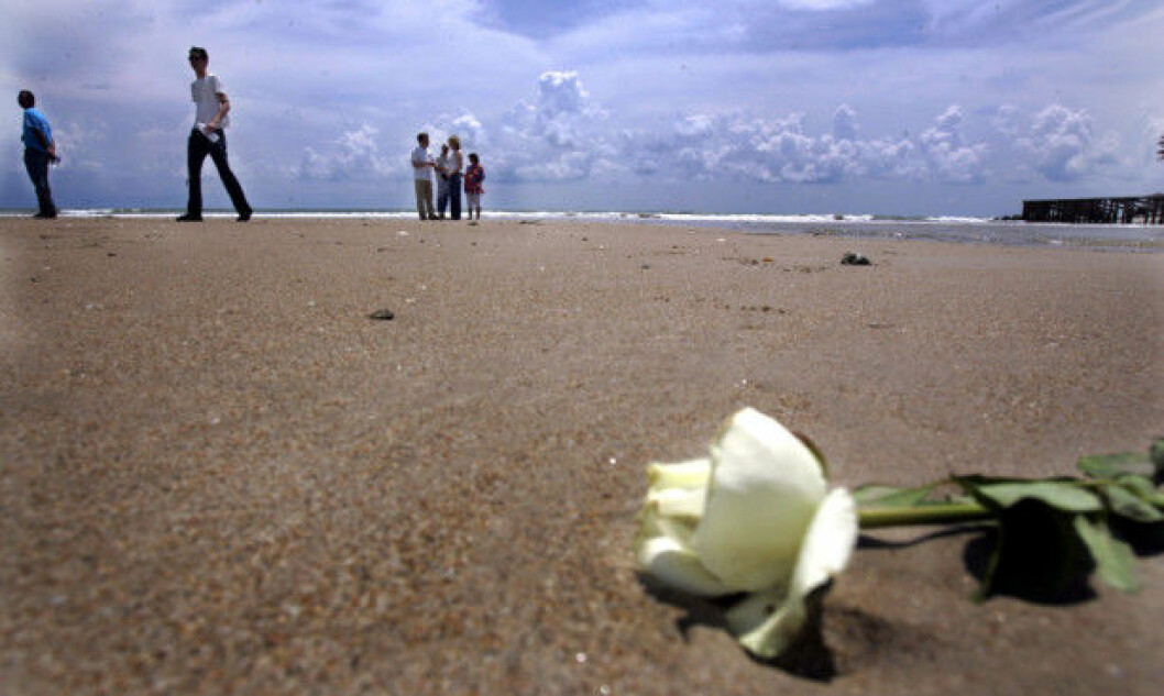 The tidal wave that slammed onto the beach at Blue Village in Khao Lak, Thailand took many Norwegian lives on 26 December 2004. Several of the survivors and relatives have since visited the beach and laid flowers at the site that hit many Norwegian families hard. These visits have helped many of those affected in the years since, says the researcher.