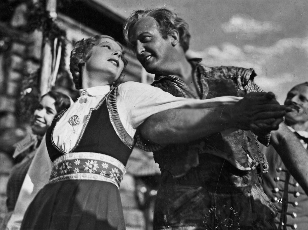 Peer Gynt dances a turn with Ingrid (Ellen Frank) at Hægstad farm in the 1934 film version of Ibsen's piece. Nazi propaganda cultivated blonde Norwegians and Norwegian nature as ideals. German actor Hans Albers was popular. He himself had a Jewish lover.