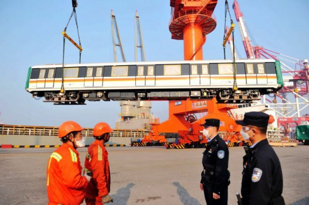 Less dependent on one country: - Maybe we should spread the systems for subcontractors and not be so dependent on one country, such as China, says economics professor Kalle Moene. Here from Qingdao Export Port in China, March 18.