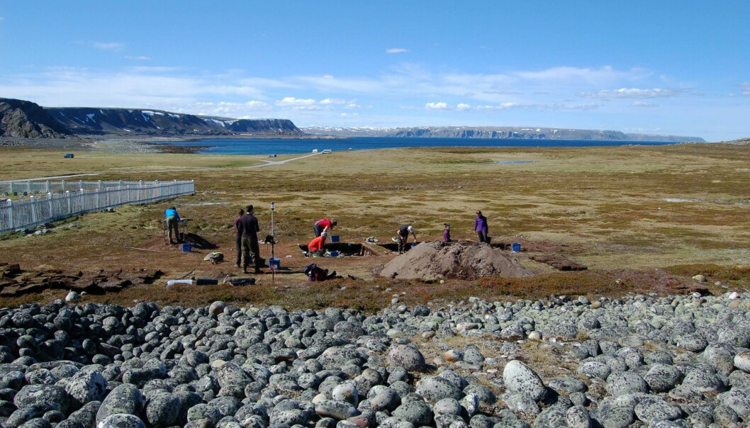 The excavation and the view towards the west in Varanger. During the settlement, the shoreline was approximately 10 meters below the edge of the excavation. The land has risen a lot since the settlement was in use, some 12 meters.