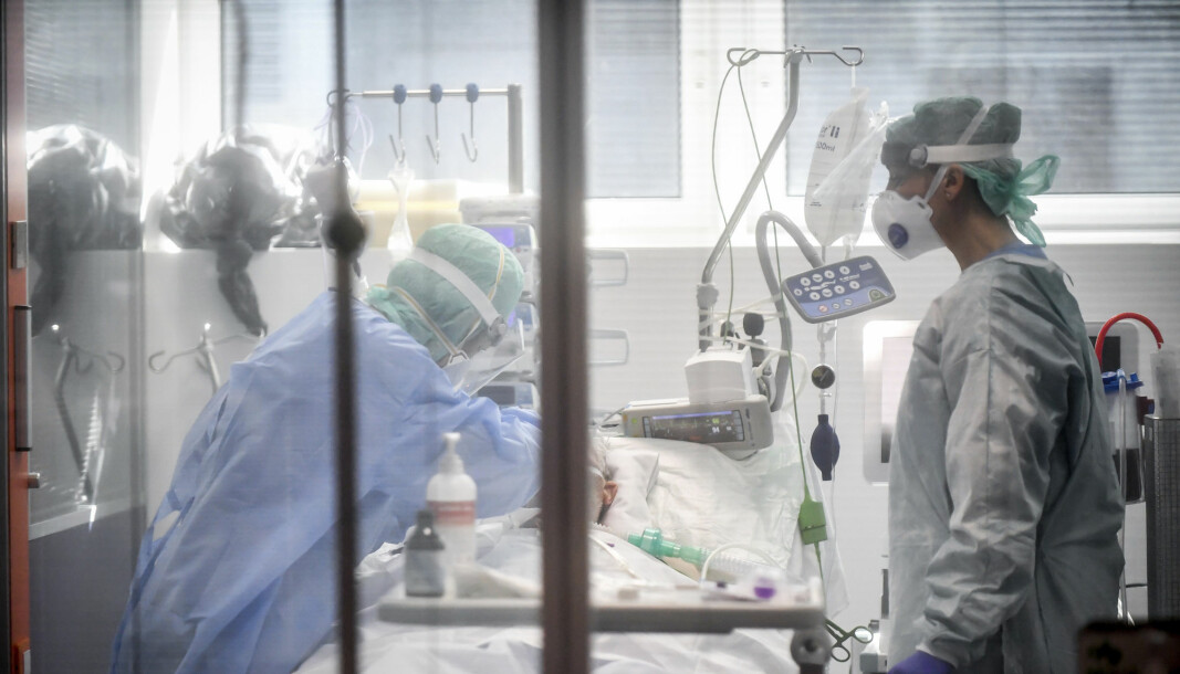 Medical personnel work in the intensive care unit of a hospital in Brescia, Italy, March 19th. Before the COVID-19 crisis, Italy was already the country in Europe with the largest number of deaths casued by multi-drug resistant bacteria.