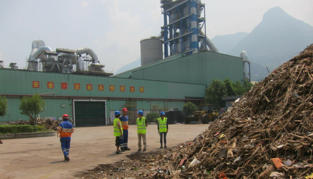 The landfill site at Nakon Nayok in Thailand contains 42 percent plastic. There are 2,500 such sites in Thailand together containing 190 million tons of accumulated plastic waste.
