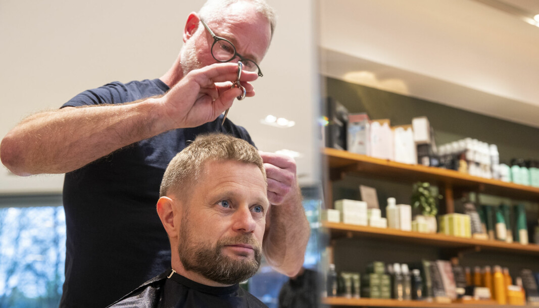 Norwegian Health minister Bent Høie having a hair cut on April 27 as Norway started easing up on lock down measures allowing hair dressers to stay open from that day.