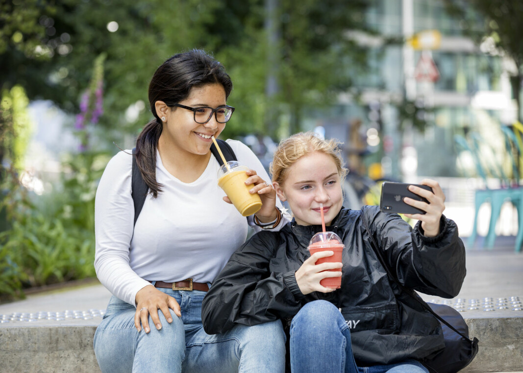 Young people between 13 and 17 years old are much more well behaved than before. The proportion of alcohol intoxication episodes in the past year has plummeted.