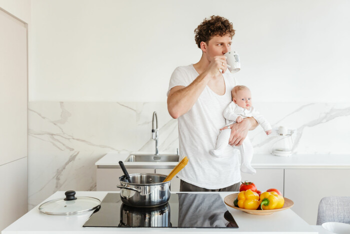 Swedish men report less stress with longer paternity leave