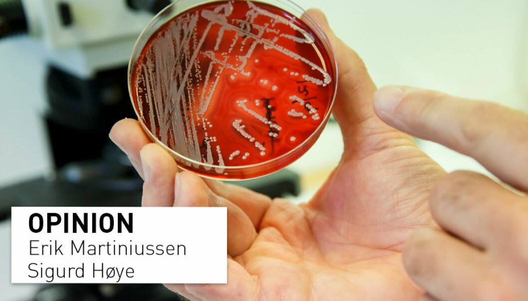 Listen to your doctor and do not use antibiotics unless you really need to, write Erik Martiniussen and Sigurd Høye. The petri dish contains MRSA bacteria.