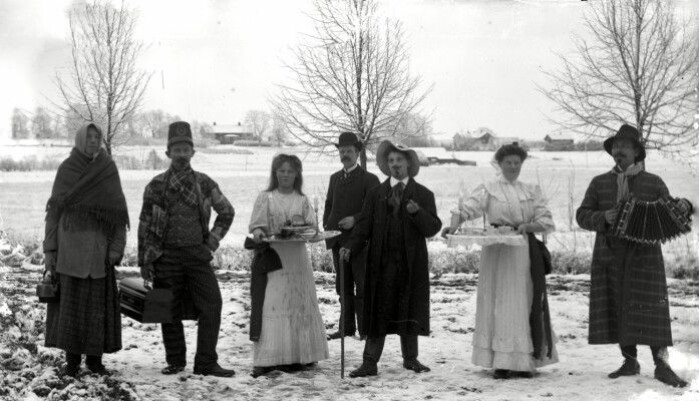 Lucia celebration in Järpås in Sweden. The photo was taken some time between 1890 and 1905.