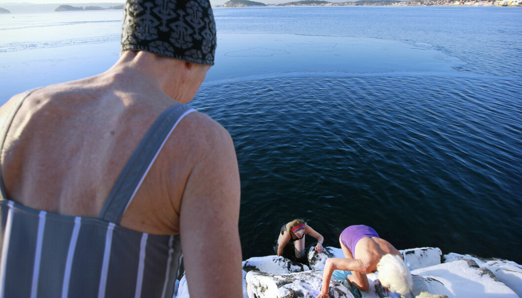 A few years ago, three women around the age of 70 reported that they swam twice a week in the Oslo Fjord throughout the winter.