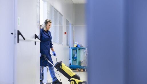 Polish people with PhDs work as cleaners and builders in Norway