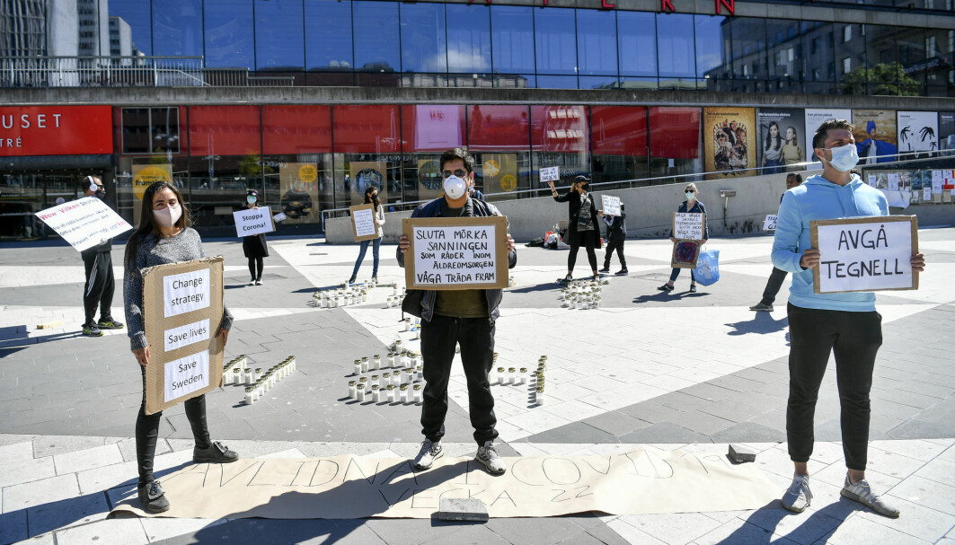 "The Swedes have long been loyal to the Swedish coronavirus strategy. But some Swedes have said no. The photo shows a demonstration on Sergels Torg in Stockholm this summer. Now the tide is turning in Sweden. ""I think many Swedes are now ashamed of what has happened,"" says Fredrik Elgh."