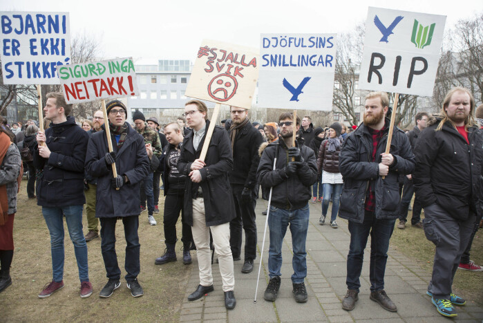 In 2016, the Panama Papers revealed that Iceland's Prime Minister Sigmundur David Gunnlaugsson and his family had hidden money in tax havens. When the revelation became known, thousands of Icelanders demonstrated outside the Allting in Reykjavik.