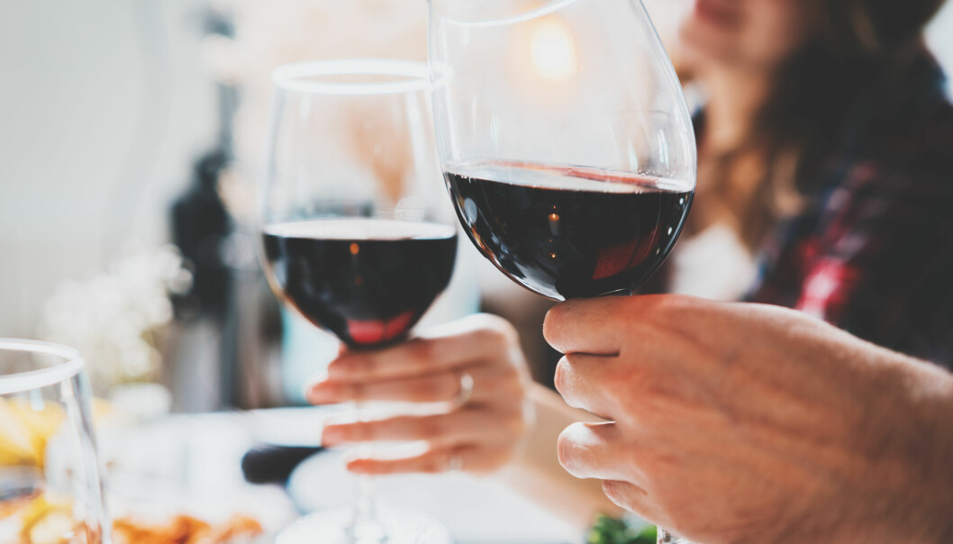 Small changes in the overall levels of alcohol consumption in Norway hide what seems to be larger changes in alcohol consumption within groups of society, accordig to a recent study.
