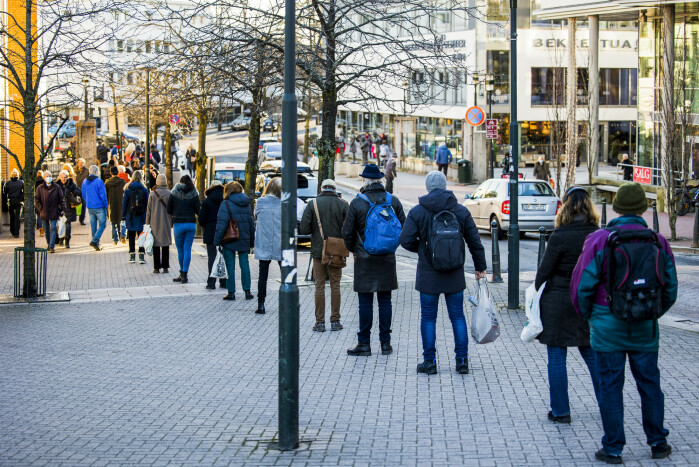 The line for spirits and wine stretched across streets in the municipalities around Oslo.