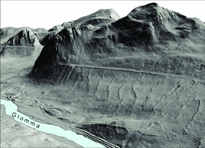 Lidar technology (laser images) now makes it possible to remove all vegetation from images of the terrain. In this 3D image, the landforms are much more clearly visible, including the old shoreline from Nedre Glomsjø. The vertical exaggeration is x2.
