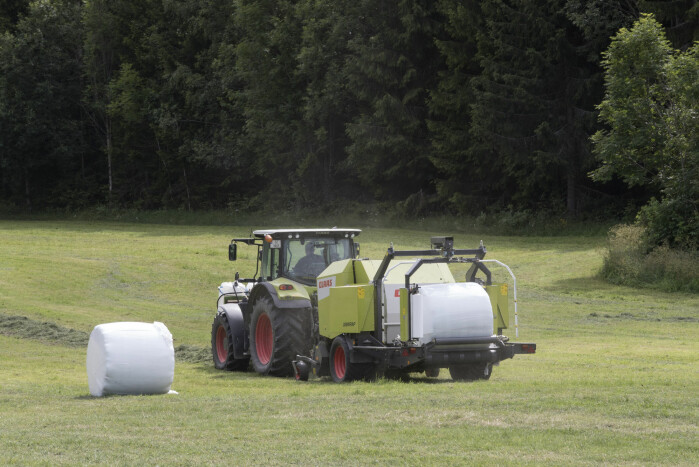 The tractor and round bales have replaced hay racks and muscle power. But if we believe the research, the farmer's weight probably has little to do with that.