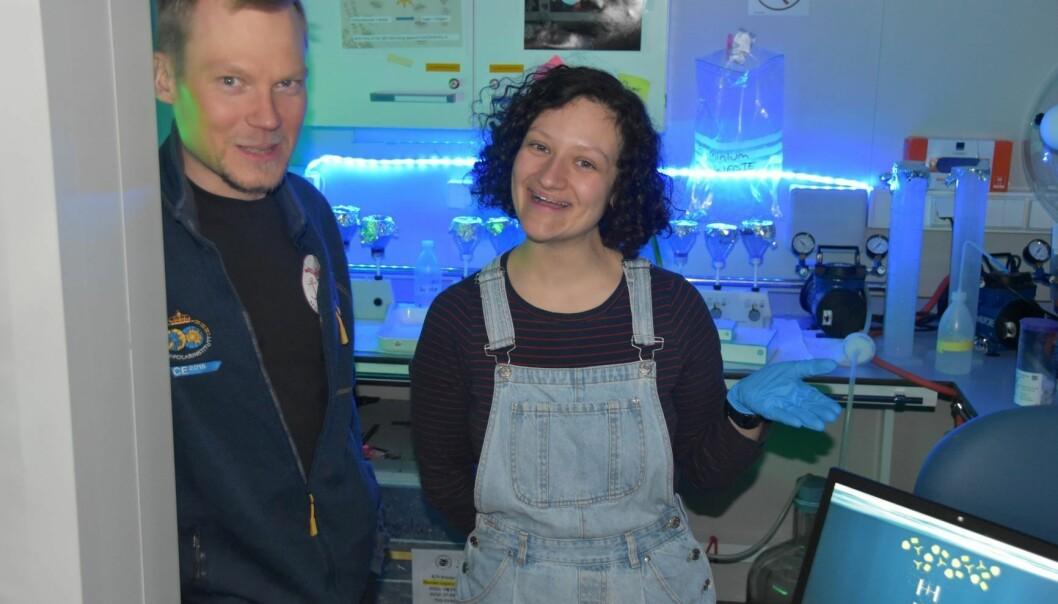 : Yasemin and Mikko in the sediment trap laboratory.