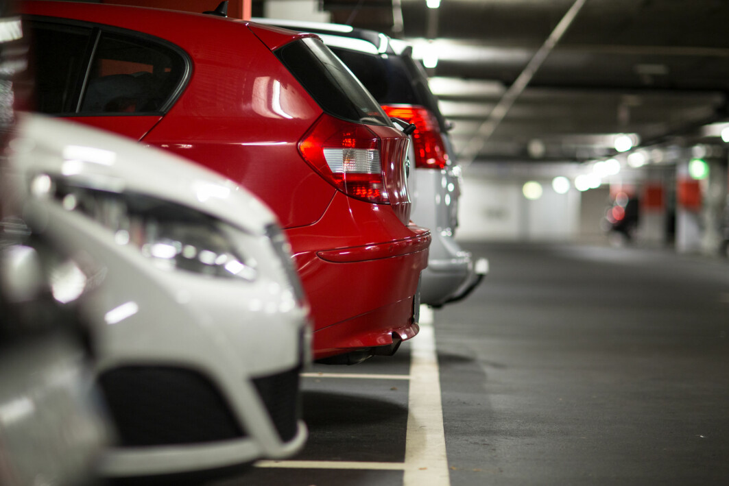 Researchers agree: Free parking at work is a problem if the goal is to reduce car use.