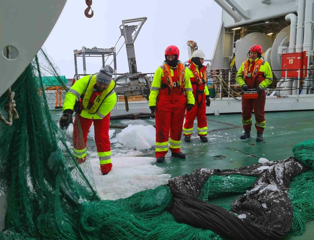 Trawling at 85 d N
