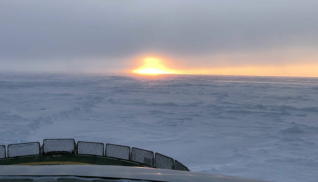 Sailing northwest into the Amundsen Basin and central Arctic Ocean